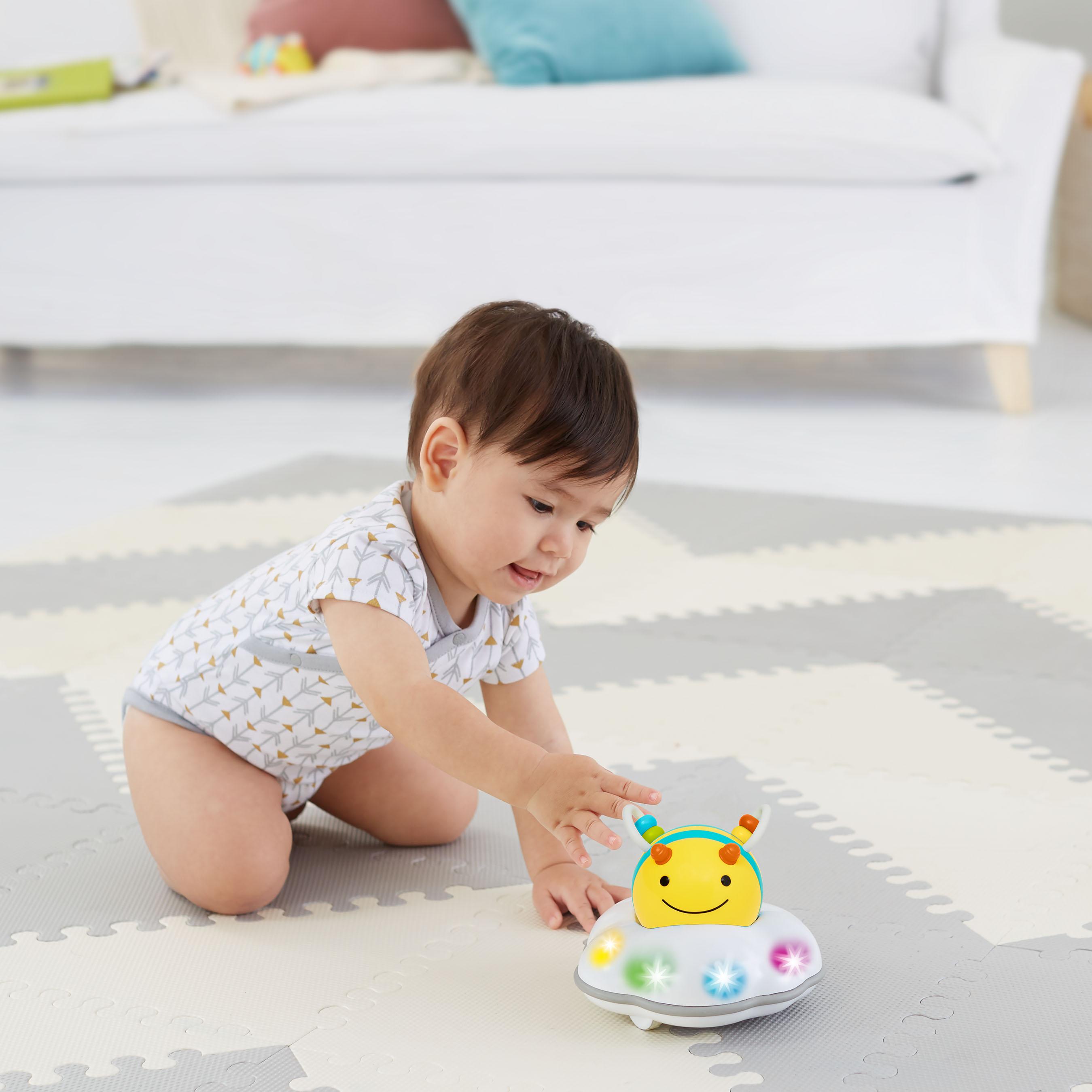 צעצוע מעודד זחילה - דבורה